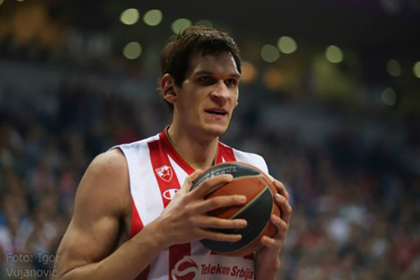 Boban+holding+things9
